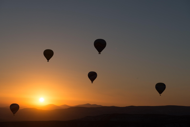 balloons-dawn-dusk-50674
